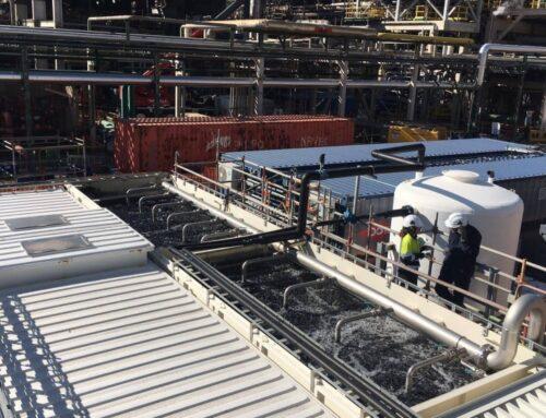 Un projecte pilot demostra que és possible la regeneració de l'aigua residual de la indústria petroquímica